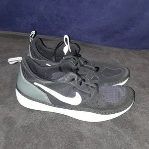 Nike Solarsoft Men Running Sneaker Sz 10